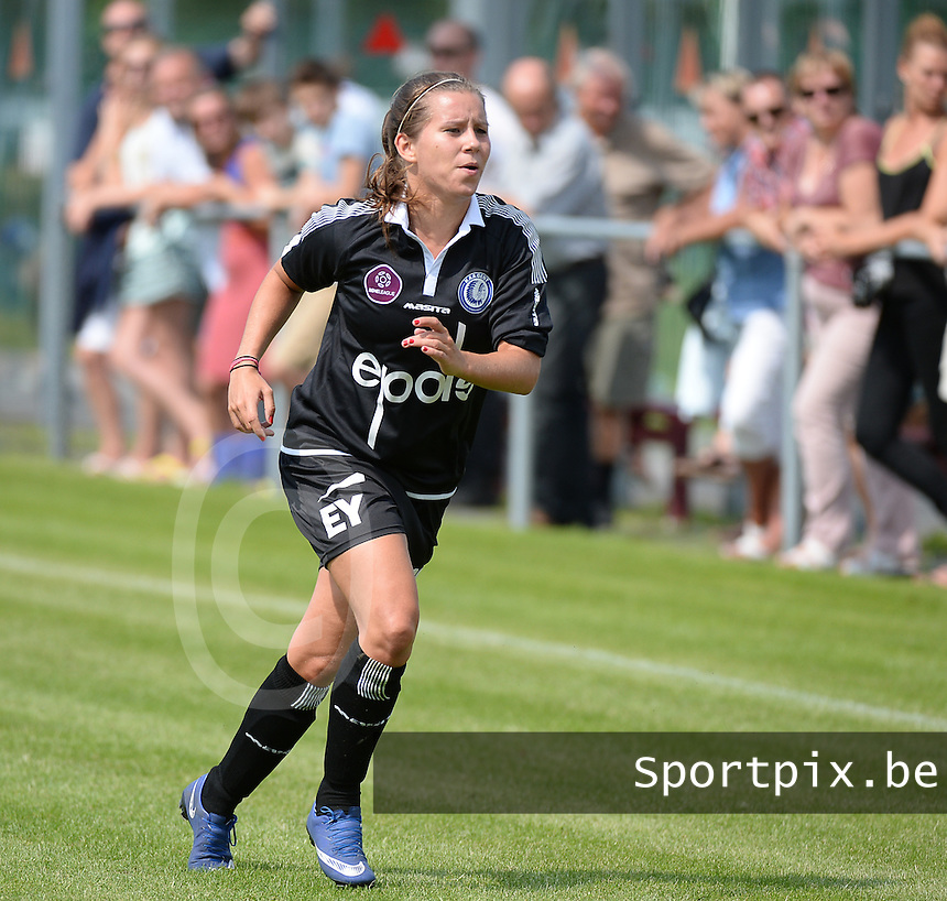 20150801 - WESTKAPELLE , BELGIUM : Gent's Liv Aerts pictured during a friendly soccer match with the women team of AA Gent Ladies , during the preparation for the 2015-2016 SUPERLEAGUE season, Saturday 1 August 2015 . PHOTO DAVID CATRY