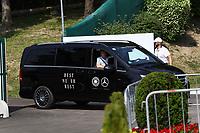 Team kommt in Kleinbussen zum Trainingsplatz - 26.05.2018: Training der Deutschen Nationalmannschaft zur WM-Vorbereitung in der Sportzone Rungg in Eppan/Südtirol