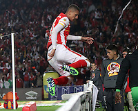 BOGOTA -COLOMBIA, 1-MARZO-2015. Luis Paez del Independiente Santa Fe celebra su gol contra el Cortulua  durante la septima fecha de La Liga Aguila jugado en el estadio Nemesio Camacho El Campin  of  Bogota . / Luis Paez of  Independiente Santa Fe  celebrates his goal  against  XXXXX of Cortulua  during the seven  round of La Liga Aguila played at the Nemesio Camacho El Campin stadium in Bogota . Photo / VizzorImage / Felipe Caicedo  / Staff