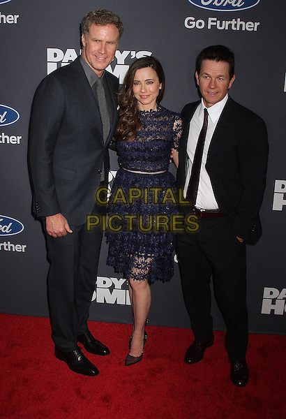 NEW YORK, NY - DECEMBER 13:  Will Ferrell, Linda Cardellini and Mark Walhberg at the New York premiere of 'Daddy's Home' in New York, New York on December 13, 2015. <br /> CAP/MPI/RMP<br /> &copy;RMP/MPI/Capital Pictures