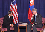 In this photo released by the White House, United States President Bill Clinton meets with Prime Minister Mikulas Dzurinda of Slovakia at the the United States Mission in New York, New York on 21 September, 1999.<br /> Mandatory Credit: David Scull / White House via CNP