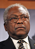 Washington, DC - November 20, 2008 -- United States House Majority Whip James E. Clyburn (Democrat of South Carolina) speaks as he and other Democratic Leaders conduct a press conference in the United States Capitol on the fate of a proposed 25 billion dollar bail-out of the American Automotive Industry in Washington, D.C. on Thursday, November 20, 2008.  The leaders demanded the Big Three automakers, General Motors, Ford, and Chrysler, develop a plan assuring the money would make them economically viable before approving federal aid..Credit: Ron Sachs / CNP