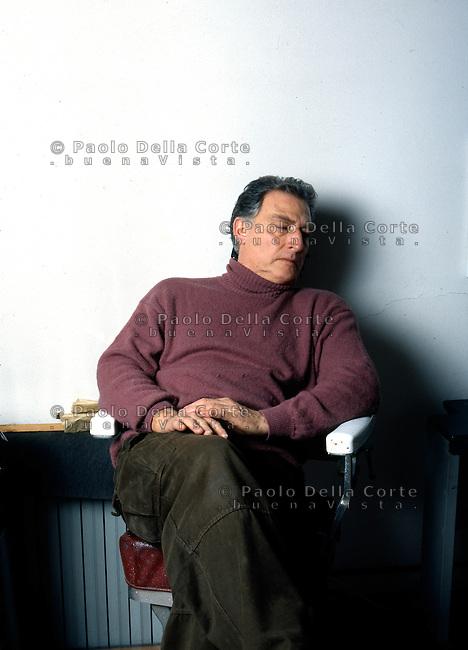 Milano - Emilio Tadini nel suo studio.