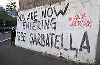 """Roma 13 MArzo 2009.Scritta su un muro del quartiere Garbatella.Written on a wall of the district Garbatella.""""you are now entering free Garbatella"""""""