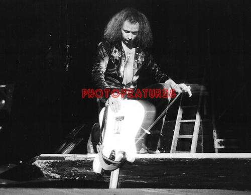 Rainbow 1976 Ritchie Blackmore.© Chris Walter.