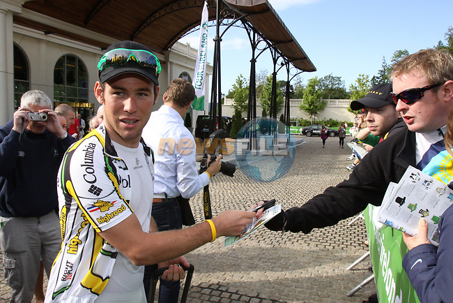 Mark Cavendish (GBR) Columbia High Road signs autographs for fans before the start of  Stage1 of the 2009 Tour of Ireland, running 196km from the Ritz-Carlton Hotel Powerscourt, Enniskerry to Waterford, Ireland. 21st August 2009.<br /> (Photo by Eoin Clarke/NEWSFILE)