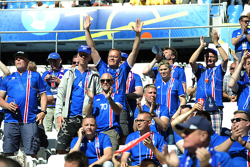 18.06.2016, Stade Velodrome, Marseille, FRA, UEFA European football Championships Group F. Iceland versus Hungary.  Icelantic supporters