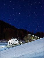 Italy, Alto Adige, South Tyrol, Val Gardena, Ortisei, district Pufels: stary night at Val Gardena | Italien, Suedtirol, Groednertal, St. Ulrich, Ortsteil Pufels: sternenklare Nacht im Groednertal