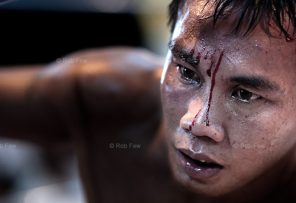 In the run-up to Songkran, 2010, Thai boxers and fighters from a Burmese militia group allied to the Junta met for a series of matches in Myawaddy, just across the Thai-Burma border. <br />