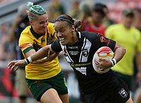 New Zealand's Honey Hireme breaks through to score a try during the women's Rugby League World Cup final between Australia and New Zealand, Suncorp Stadium, Brisbane, Australia, 2 December 2017. Copyright Image: Tertius Pickard / www.photosport.nz MANDATORY CREDIT/BYLINE : Tertius Pickard/SWpix.com/PhotosportNZ