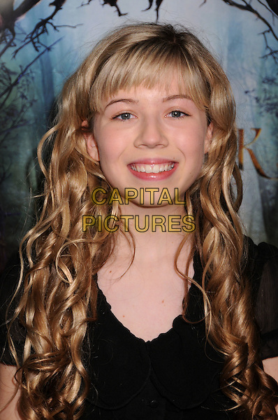 "JENNETTE McCURDY.""The Spiderwick Chronicles"" Los Angeles Premiere at Paramount Studios, Hollywood, California, USA..January 31st, 2008.headshot portrait .CAP/ADM/BP.©Byron Purvis/Admedia/Capital Pictures"
