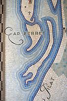 Europe/France/Aquitaine/Gironde/Bassin d'Arcachon/Cap Ferret: Mosaique art déco a l'entrée du phare représentant le Bassin d'Arcachon le Cap Ferret et la Dune du Pilat
