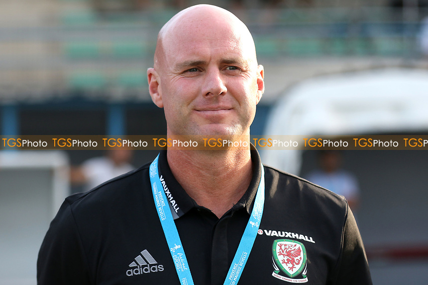 Rob Page, Wales U20 Head Coach during France Under-20 vs Wales Under-20, Toulon Tournament Football at Stade de Lattre-de-Tassigny on 30th May 2017