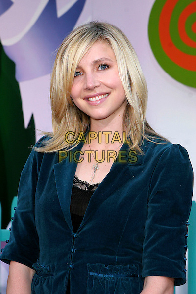 "SARAH CHALKE.The Los Angeles Premiere of ""Chicken Little"" held at El Capitan Theatre, Hollywood  CA..October 30th, 2005.Photo credit: Jacqui Wong/AdMedia/Capital Pictures.Ref: JW/ADM.headshot portrait blue.www.capitalpictures.com.sales@capitalpictures.com.© Capital Pictures."