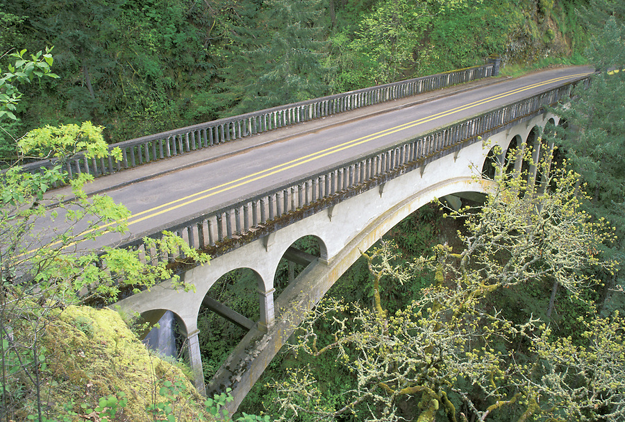 Bridge over Sheppard's Dell (circ 1916), Columbia River Gorge, Portland, Oregon
