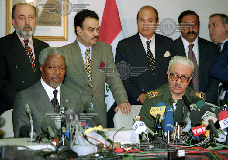 UN Secretary General Kofi Annan hold a press conference with Iraqi foreign minister Tariq Aziz after meetings.  UN weapons inspectors in February 1998 look for WMDs (weapons of mass destruction), as the population in Iraq prepared for an armed conflict.   The UNSCOM weapons inspectors left Iraq later that year.<br /> <br /> <br /> <br /> ©Fredrik Naumann/Felix Features
