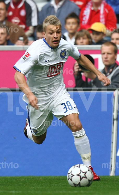 Fussball 1. Bundesliga Saison 2006/2007    7. Spieltag           Bayern Muenchen - Hertha BSC Berlin Patrick EBERT (Berlin), Einzelaktion am Ball.