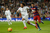 Real Madrid´s Marcelo Vieira (L) and Barcelona´s Dani Alves during 2015-16 La Liga match between Real Madrid and Barcelona at Santiago Bernabeu stadium in Madrid, Spain. November 21, 2015. (ALTERPHOTOS/Victor Blanco) /NortePhoto