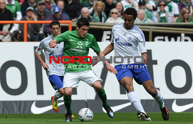 05.05.2012, Weserstadion, Bremen, GER, 1.FBL, Werder Bremen vs Schalke 04, im Bild Zlatko Junuzovic (Bremen #23), Joel Matip (Schalke #32)<br /> <br /> // during the match Werder Bremen vs Schalke 04 on 2012/05/05, Weserstadion, Bremen, Germany.<br /> Foto &copy; nph / Frisch *** Local Caption ***