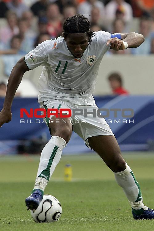FIFA WM 2006 -  Gruppe C Vorrunde ( Group C )<br /> Play    #22 (16-Jun) - Holland - Elfenbeink&cedil;ste<br /> <br /> DROGBA Didier #11<br /> <br /> <br /> Foto &copy; nordphoto