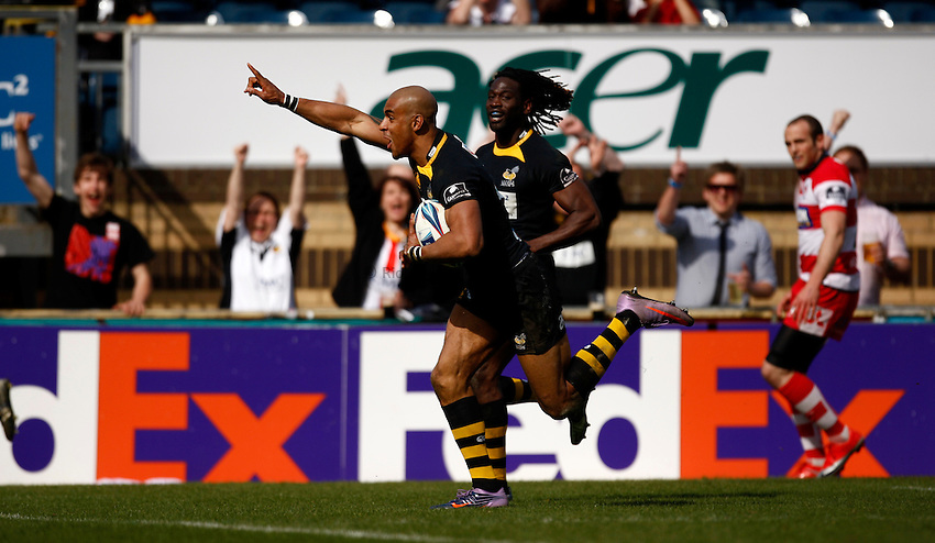 Photo: Richard Lane/Richard Lane Photography. London Wasps v Gloucester Rugby. Amlin Challenge Cup Quarter Final. 11/04/2010. Wasps' Tom Varndell celebrates as he going in for his second try of the game.