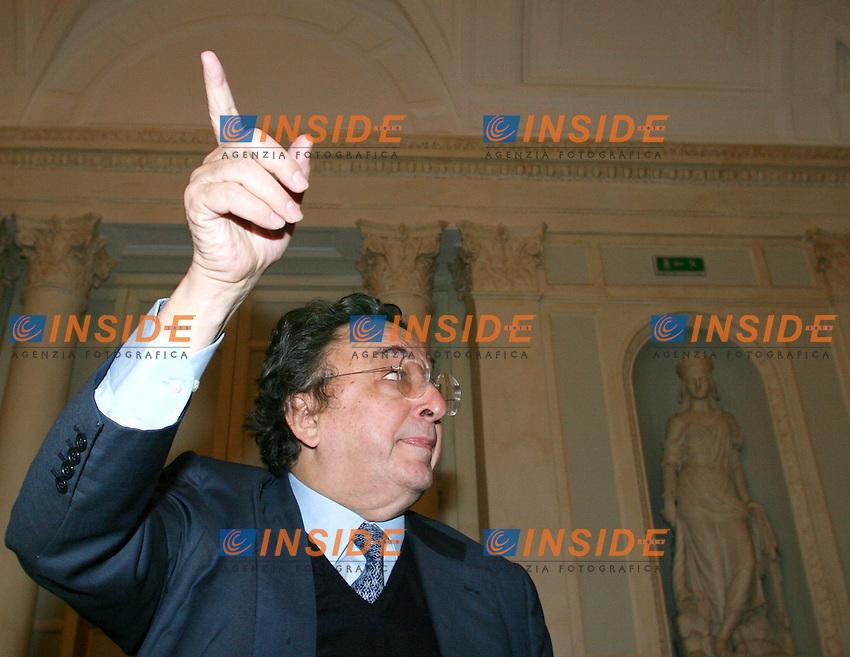 Roma 22 02 2006 Conferenza Programmatica della nuova Democrazia Cristiana e del partito Socialista<br /> Nella foto il segretario del partito socialista Gianni De MIchelis <br /> Photo Serena Cremaschi Insidefoto