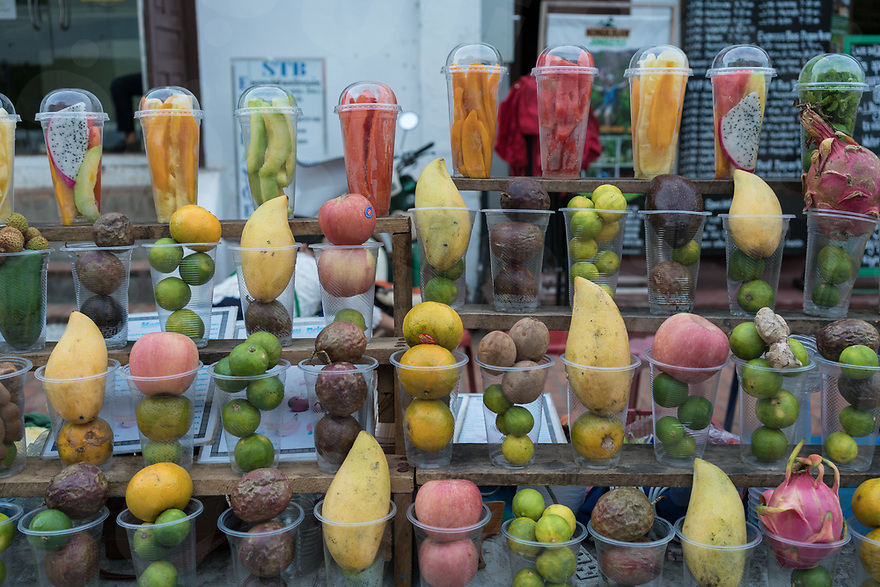 May 06, 2017 - Luang Prabang (Laos). Fresh fruit shakes are sold around the are of the night market. © Thomas Cristofoletti / Ruom