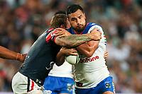 Peta Hiku takes on the defence. Sydney Roosters v Vodafone Warriors, NRL Rugby League. Allianz Stadium, Sydney, Australia. 31st March 2018. Copyright Photo: David Neilson / www.photosport.nz