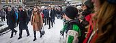 Scouterna i Landskrona sköter avspärrningarna som följer med följet på rundvandringen i staden.