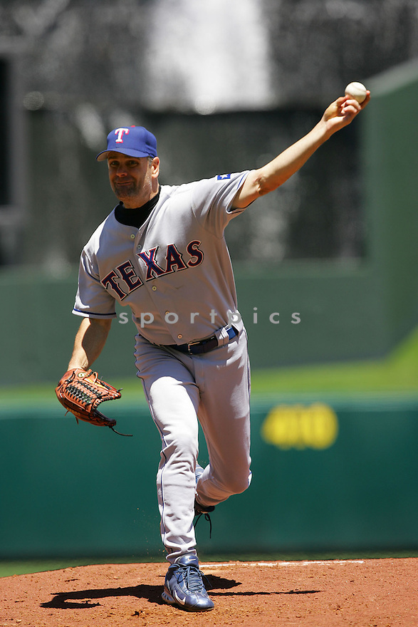 Kenny Rogers, of the Texas Rangers , in action against the Kansas City Royals on June 5, 2005...Rangers win 8-1...Dilip Vishwanat / SportPics