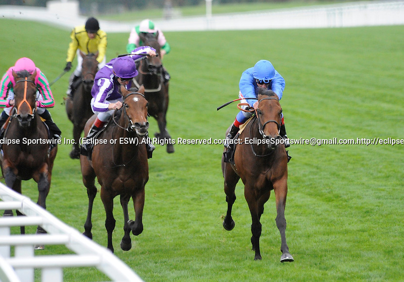 10 September 25: White Moonstone (no. 6), ridden by Frankie Dettori and trained by Saeed bin Suroor, wins the Fillies' Mile Stakes for two year old fillies at Ascot Racecourse in Ascot, England.  (Bob Mayberger/Eclipse Sportswire)