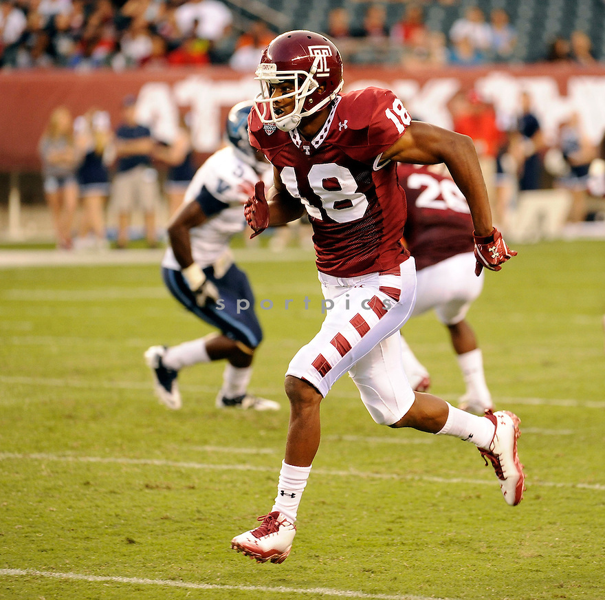ROD STREATOR, of the Temple Owls  in action during the Owls game against the Villanova Wildcats on September 1, 2011 at Lincoln Financial Field in Philadelphia, PA. Temple beat Villanova 42-7.ROD STREATER,