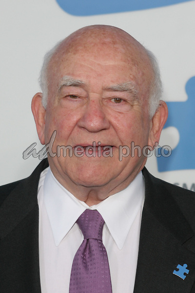 "24 September 2005 - Hollywood, California - Ed Asner.  Jerry Seinfeld and Paul Simon Perform ""One Night Only: A Concert for Autism Speaks"" - Arrivals held at the Kodak Theatre.  Photo Credit: Zach Lipp/AdMedia"