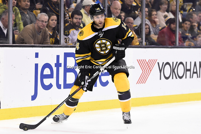 Tuesday, December 22, 2015: Boston Bruins right wing Brett Connolly (14) in game action during the National Hockey League game between the St. Louis Blues and the Boston Bruins held at TD Garden, in Boston, Massachusetts. The blues beat the Bruins 2-0 in regulation time. Eric Canha/CSM