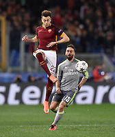 FUSSBALL CHAMPIONS LEAGUE  SAISON 2015/2016 ACHTELFINAL HINSPIEL AS Rom - Real Madrid                 17.02.2016 Stephan El Shaarawy (li, AS Rom) gegen Daniel Carvajal (Real Madrid)