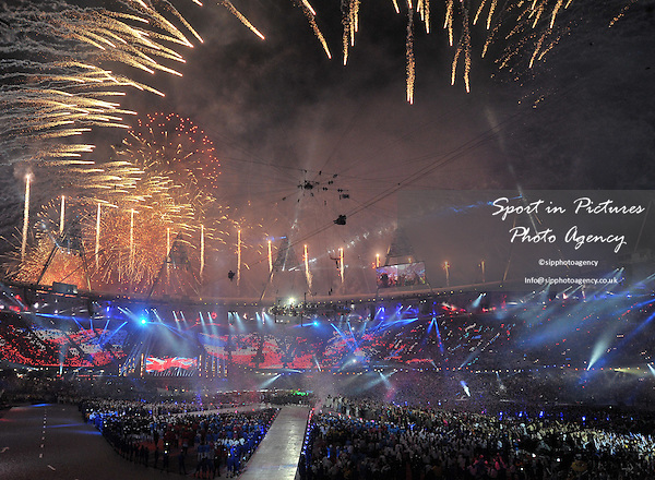 Fireworks from the roof. Closing Ceremony - PHOTO: Mandatory by-line: Garry Bowden/SIP/Pinnacle - Photo Agency UK Tel: +44(0)1363 881025 - Mobile:0797 1270 681 - VAT Reg No: 768 6958 48 - 12/08/2012 - 2012 Olympics - Olympic Stadium, Olympic Park, London, England