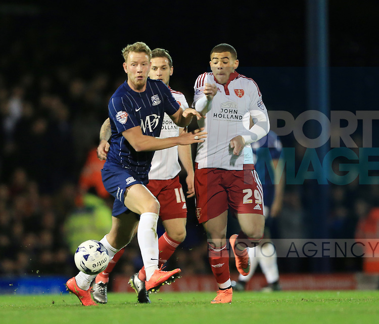 Southend's Adam Thompson tussles with Sheffield United's Che Adams during the League One match at Roots Hall Stadium.  Photo credit should read: David Klein/Sportimage