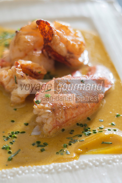 urope/France/Bretagne/56/Morbihan/Lorient: Homard, épices et combawa<br />  - recette de  Jean-Paul Abadie, restaurant: L'Amphytrion