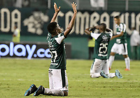 PALMIRA - COLOMBIA, 13-11-2019: Darwin Andrade del Cali celebra después del partido entre Deportivo Cali e Independiente Santa Fe por la fecha 2, cuadrangulares semifinales, de la Liga Águila II 2019 jugado en el estadio Deportivo Cali de la ciudad de Palmira. / Darwin Andrade of Cali celebrates after match between Deportivo Cali and Independiente Santa Fe for the date 2, quadrangular semifinals, as part Aguila League II 2019 played at Deportivo Cali stadium in Palmira city. Photo: VizzorImage / Gabriel Aponte / Staff