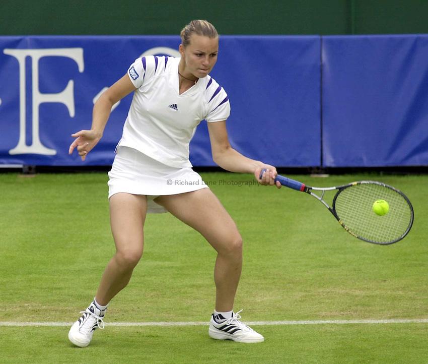 Photo. Richard Lane. .DFS Classic, Edgbaston, Birmingham. 14/6/2000.Anna-Gaelle Sidot returns as she goes to a three set victory.