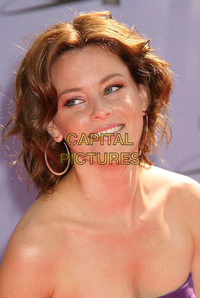 ELIZABETH BANKS.2007 MTV Movie Awards held at the Gibson Amphitheater, Universal City, California, USA..June 3rd, 2007.headshot portrait hoop earrings strapless.CAP/ADM/RE.©Russ Elliot/AdMedia/Capital Pictures *** Local Caption *** ...