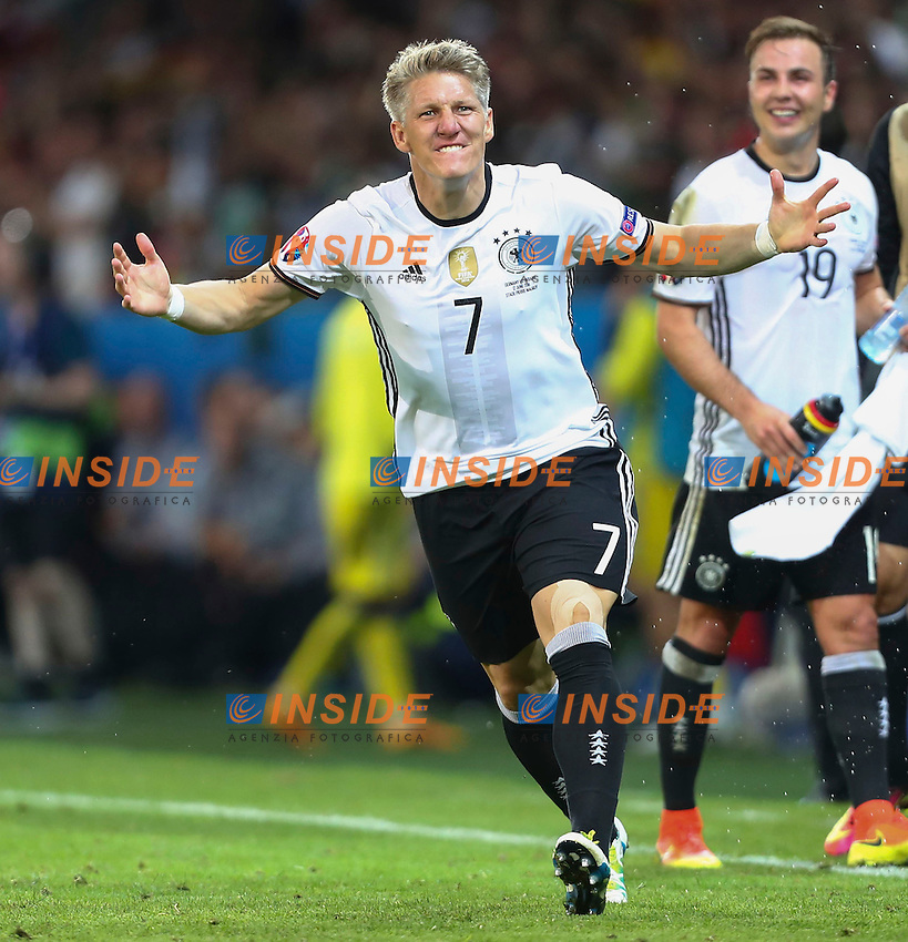 Esultanza Gol Bastian Schweinsteiger (Germany)   Celebration Goal <br /> Lille 12-06-2016 Stade Pierre Mauroy Football Euro2016 Germany - Ukraine / Germania - Ucraina Group Stage Group C. Foto Gwendoline Le Goff / Panoramic / Insidefoto