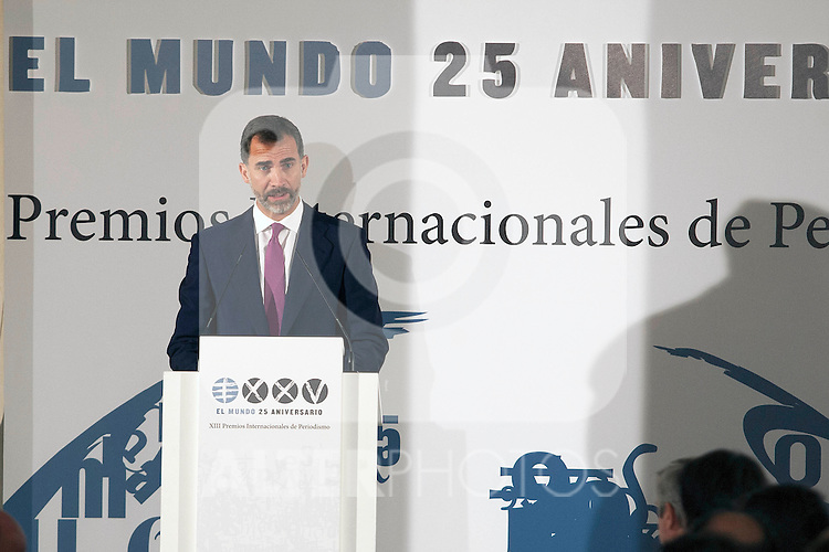 "King Felipe of Spain and Queen Letizia of Spain attend 'XIII EDICIÓN DE LOS PREMIOS INTERNACIONALES DE PERIODISMO 2013 Y CONMEMORACIÓN DEL 25º ANIVERSARIO DEL DIARIO ""EL MUNDO"" at The Westin Palace Hotel. October 20, 2014. (ALTERPHOTOS/Emilio Cobos)"