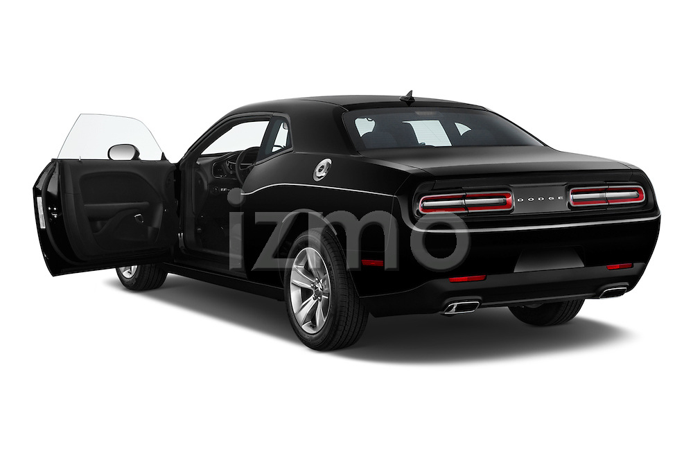 Car images of 2018 Dodge Challenger SXT 2 Door Coupe Doors