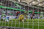 09.09.2017, Volkswagen Arena, Wolfsburg, GER, 1.FBL, VfL Wolfsburg vs Hannover 96<br /> <br /> im Bild<br /> Martin Harnik (Hannover 96 #14) trifft per Hacke zum 1:1 Ausgleich gegen Koen Casteels (VfL Wolfsburg #1), aufgenommen mit remote / Hintertorkamera, <br /> <br /> Foto &copy; nordphoto / Ewert