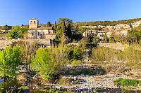 France, Hérault (34), La Caunette, l'église et la Cesse // France, Herault, La Caunette, the church and the Cesse