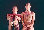 MECHANICAL ORGAN (création 1980)<br /> <br /> Chorégraphie, son, lumières, costumes : Alwin Nikolais<br /> Danseurs de la compagnie : Snezana Adjanski, Joseph (Jo) Blake, Chia-Chi Chiang, Juan Carlos Claudio, Ai Fujii, Trey Gillen, Caine Keenan, Melissa McDonald, Brandin Scott Steffenssen, Liberty Valentine<br /> Compagnie : Ririe - Woodbury Dance Company<br /> Lieu : Théâtre de la Ville<br /> Ville : Paris<br /> Date : 23/03/2004