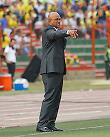 BUCARAMANGA-COLOMBIA-31-01-2016. Jose Manuel Rodriguez técnico del Atlético Bucaramanga gesticula durante el encuentro con Independiente Medellín por la fecha 1 de la Liga Águila I 2016 jugado en el estadio Alfonso López de la ciudad de Bucaramanga./ Jose Manuel Rodriguez coach of Atletico Bucaramanga gestures during a match against Independiente Medellin for the date 1 of the Aguila League I 2016 played at Alfonso Lopez stadium in Bucaramanga cit. Photo: VizzorImage / Duncan Bustamante / Cont