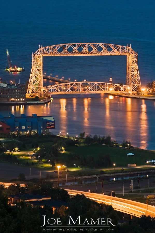 Aerial lift bridge in Canal Park, Duluth, Minnesota at night.
