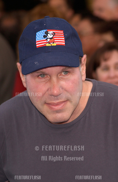 Disney boss MICHAEL EISNER at the world premiere of Disney/Pixar's Monsters, Inc., at the El Capitan Theatre, Hollywood..28OCT2001.  © Paul Smith/Featureflash